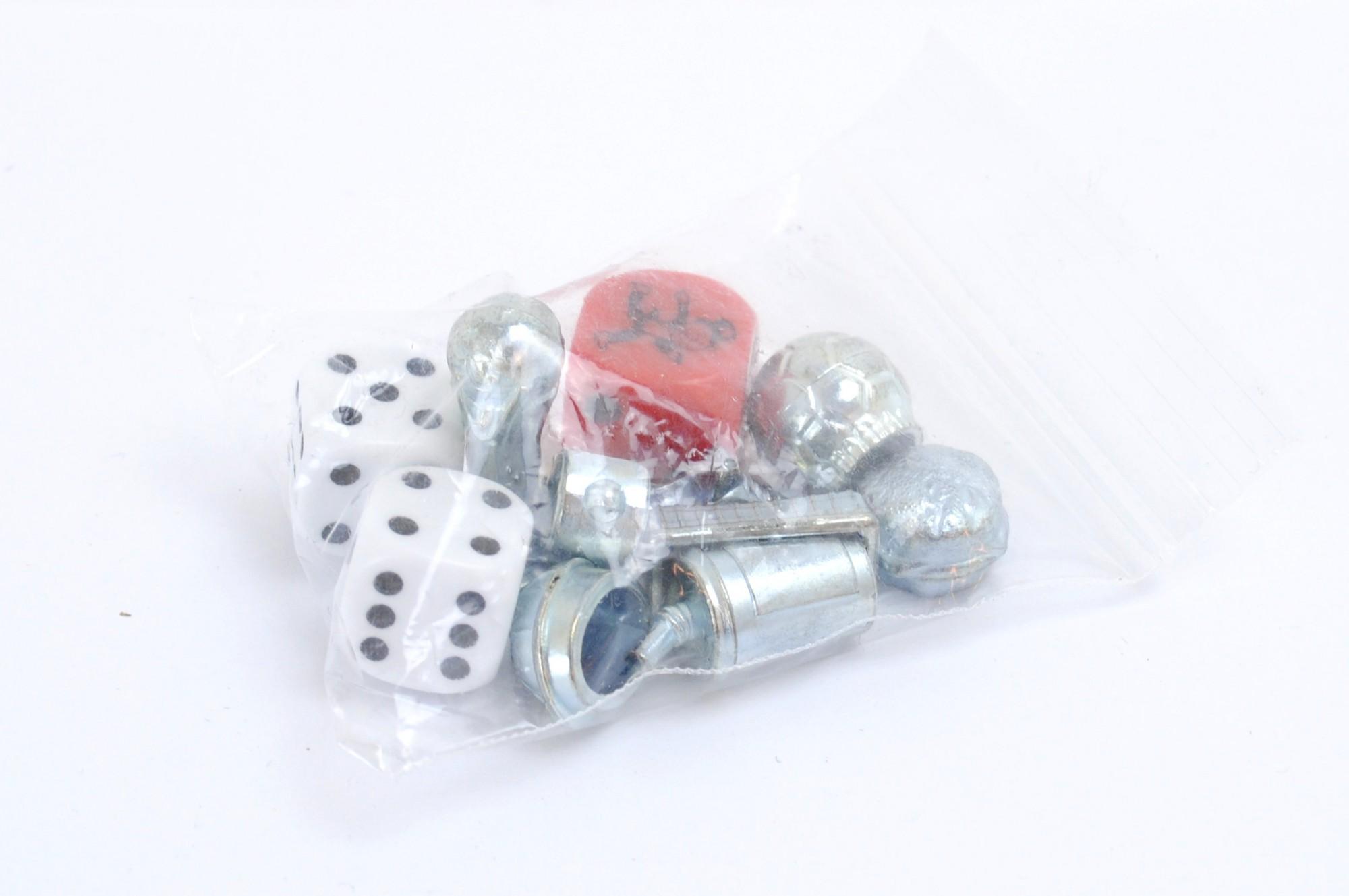 Fußball Monopoly Figuren und 2 Würfel + Tempowürfel (silber)
